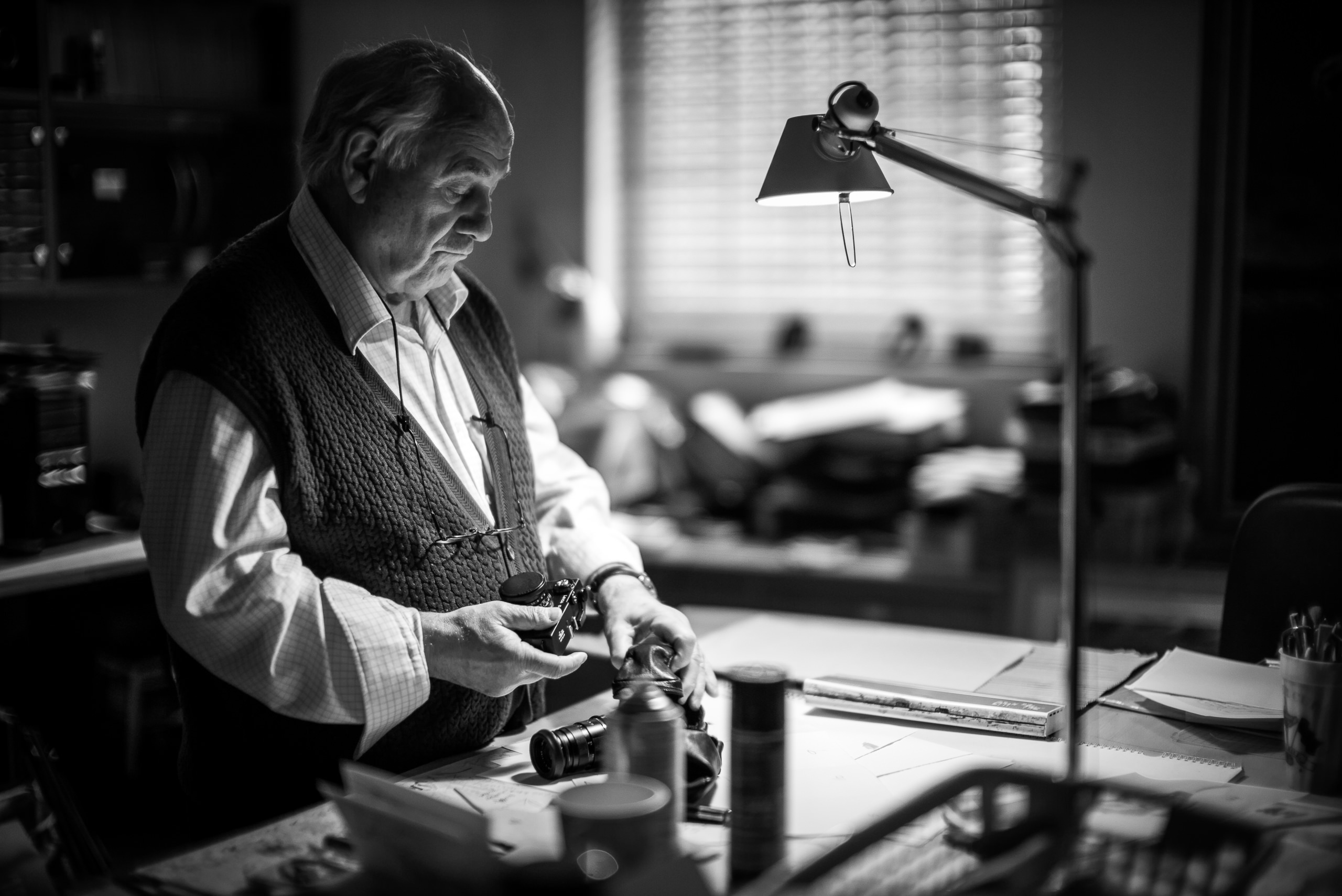 Workshop Portfolio Harold Riley Artist Studio By Brett Leica Photographer