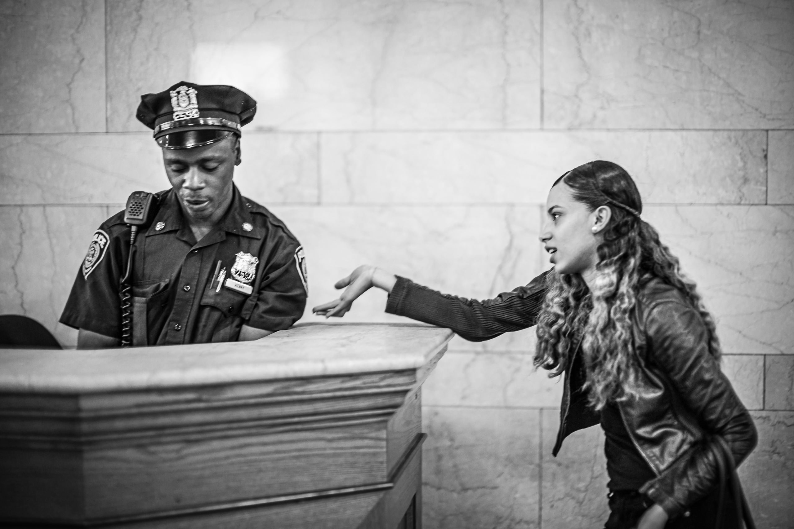 Workshop Portfolio New York Grand Central Cop By Brett Leica Photographer