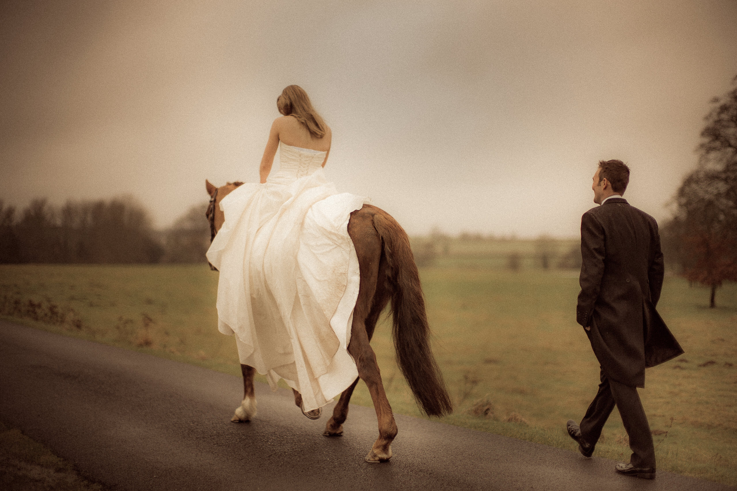 Workshop Gallery About Bride On Horse Reportage By Brett Leica Photographer