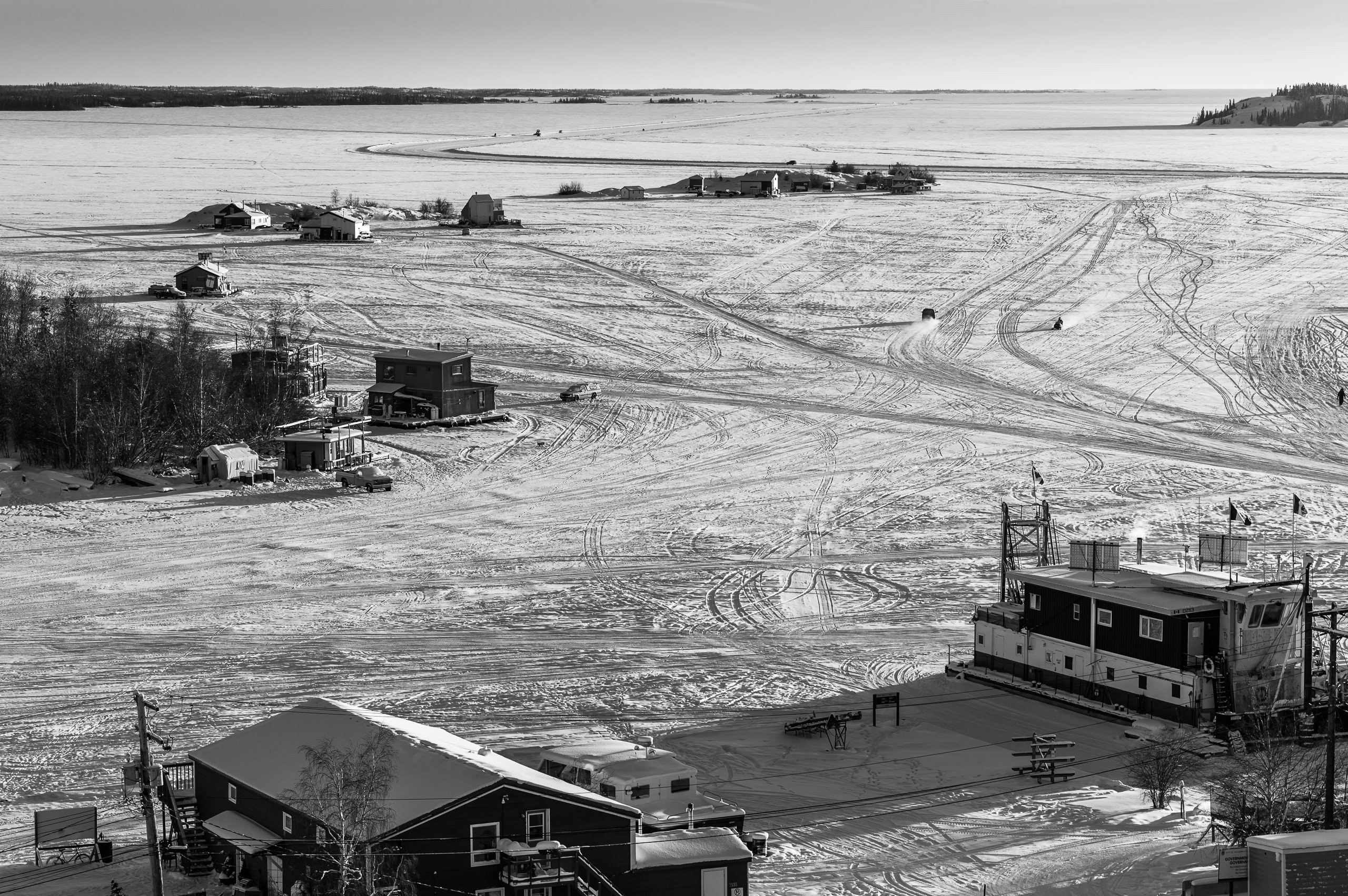 B G World Bybrett Brett Leica Photographer Yellowknife Ice Road Great Slave Lake 001