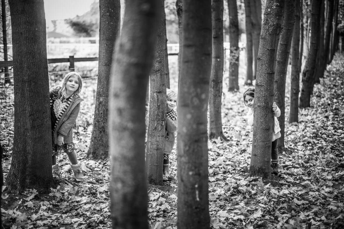 World Thumb Environmental Portraiture Woods Brett Leica Photographer